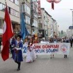Türk Dünyası'nın Çocukları Kadıköy'de Yirminci Kez Yürüdüler