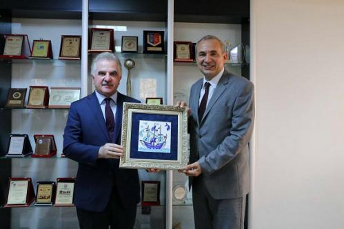 Turk-Dunyasi-Vakfi-Ziyaret 3 resize